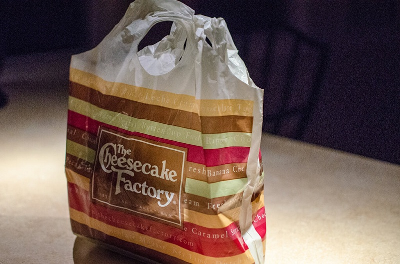 cheesecake factory delivery package